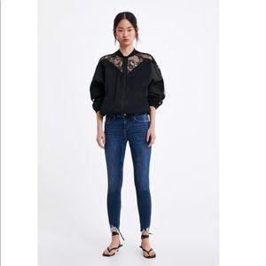 Jeans with Frayed Hem